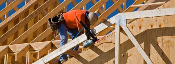 CASA VIVA tiene experiencia en trabajos de carpintería tanto en Estructuras como Pérgolas, y tejados con estructura y/o forrado en madera.