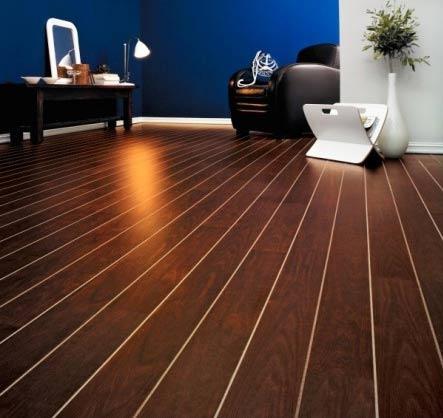 Existen varios tipos de pavimento de madera, puediendo ser pavimentos flotantes, pavimentos macizos, suelo, parquet, laminados (sin mantenimiento)