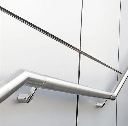 El acero, material extremadamente resistente, es un material estructural bastante común en trabajos de cerrajería.