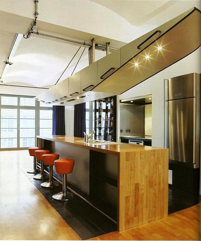 Si prefiere una cocina más heterogénea, siempre puede dar rienda suelta a su creatividad conjugando diversos materiales a la medida de sus deseos.