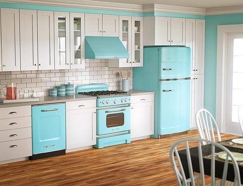 Además del mobiliario de cocina, hay que tener en cuenta los revestimientos, los equipamientos y la encimera de cocina.