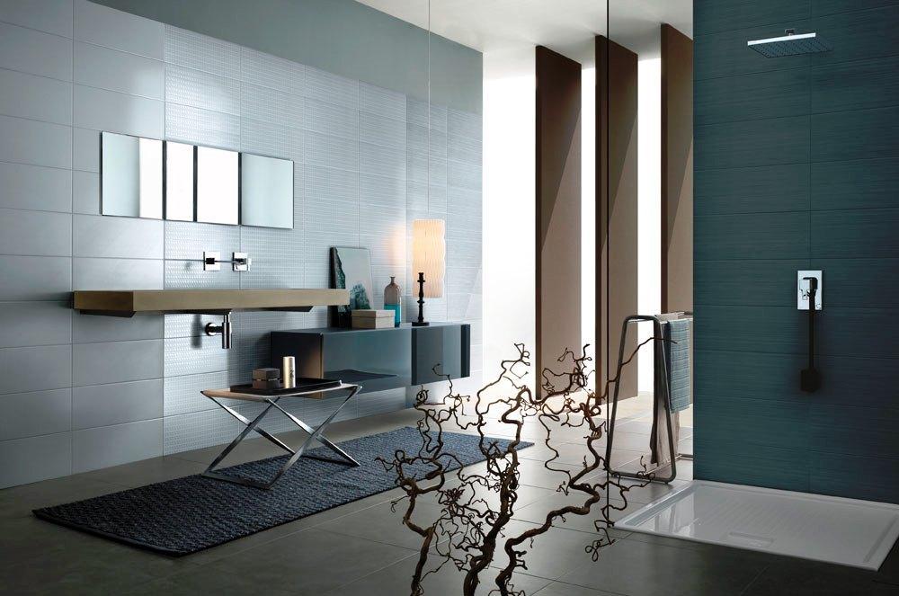 Existen varios tipos de mobiliarios y elementos accesorios para su cuarto de baño tales como: Muebles de cuarto de baño; Muebles con lavabo encastrado; Armarios; Espejos; Toalleros; Encimera; Jabonera; Portarrollos de papel higiénico; Escobillas de baño.