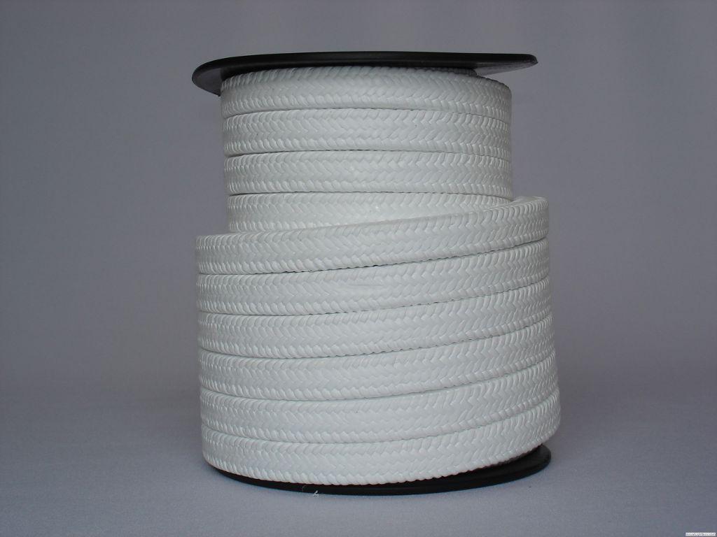 La junta teflonada tiene las características de resistencia al desgaste y buena resistencia química