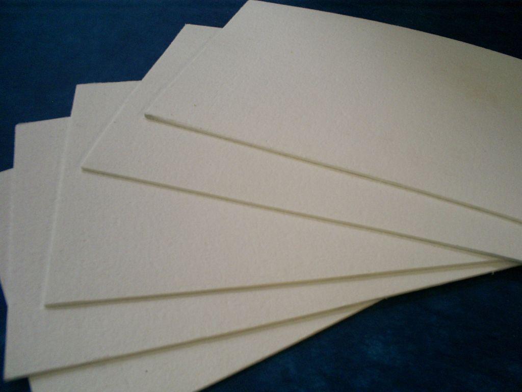 Existen diferentes tipos de papel hidráulico de amianto.