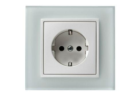 Si necesita aumentar el número de tomas eléctricas o cambiar la posición de alguna de ellas no dude en contactar con CASA VIVA.