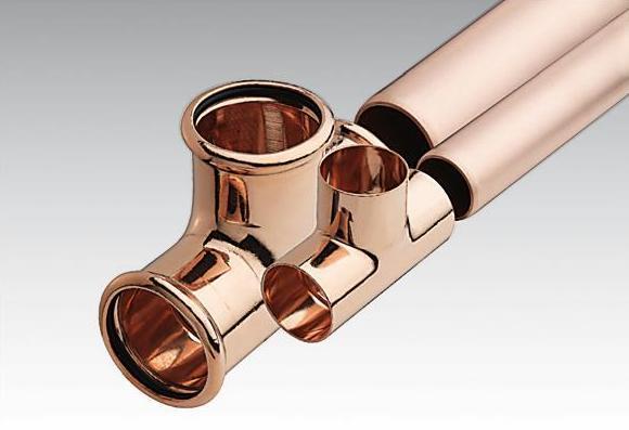 Los tubos metálicos de cobre son los más utilizados en la canalización de viviendas por ser más resistentes a la corrosión y a las altas temperaturas.