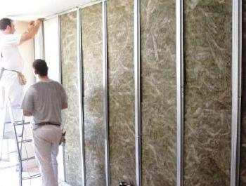 las paredes de su casa deben tener capas de aislamiento adecuadas de forma que se garantice el nivel de confort deseado.