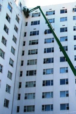 Un buen estado de conservación de la pintura de las fachadas permite una economía considerable en los costes de mantenimiento del edificio.