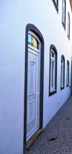 Pinte su edificio antes de que los agentes externos causan daños que significará costos mucho más altos.