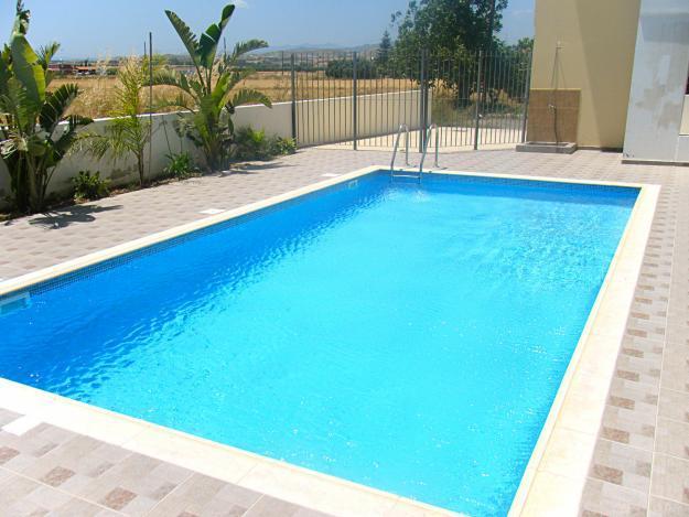 Reformas e impermeabilizaci n de piscinas casa viva obras for Diseno piscina
