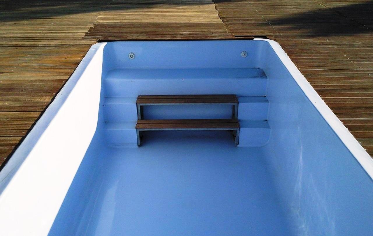 El revestimiento de una piscina tiene que garantizar cohesión, adherencia al soporte y ausencia de fisuración.