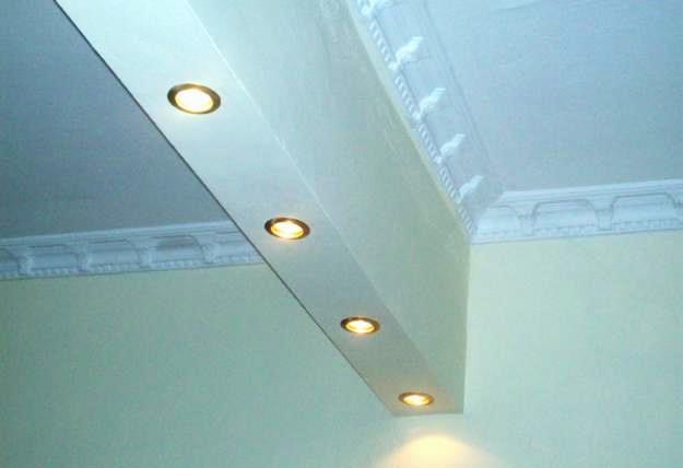 La elevada densidad y bajo espesor de las placas de pladur, asociadas a aislamientos debidamente dimensionados, permite obtener soluciones de acondicionamiento y aislamiento acústico altamente eficientes.