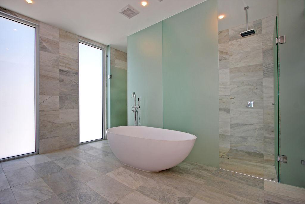 Azulejos ba o tenerife for Cambiar cuarto de bano