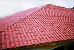 En caso de que se proceda a la sustitución de la cubierta, puede optar por elegir tejas hidrófugas, aunque el producto hidrófugo tiende a desaparecer con el paso de los años.