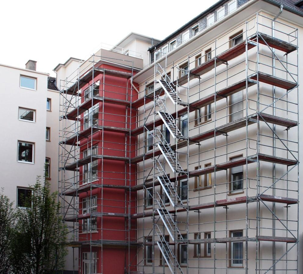 CASA VIVA realiza el listado de trabajos necesario para la fachada de su edificio, asesora y le ayuda en la elección de las mejores soluciones (quñe tipo de pintura usar, como impermeabilizar las uniones, siliconas de ventanas...)