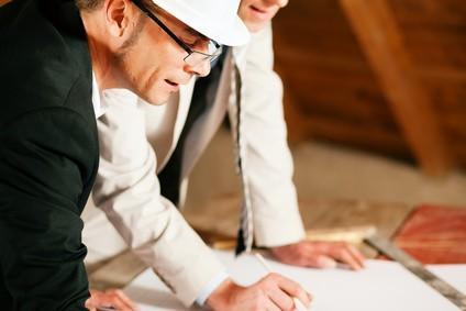 Además de un equipo con técnicos con suficiente experiencia en Dirección y Control de Obra, CASA VIVA tiene también colaboradores con técnicos especializados en Control de Obras.