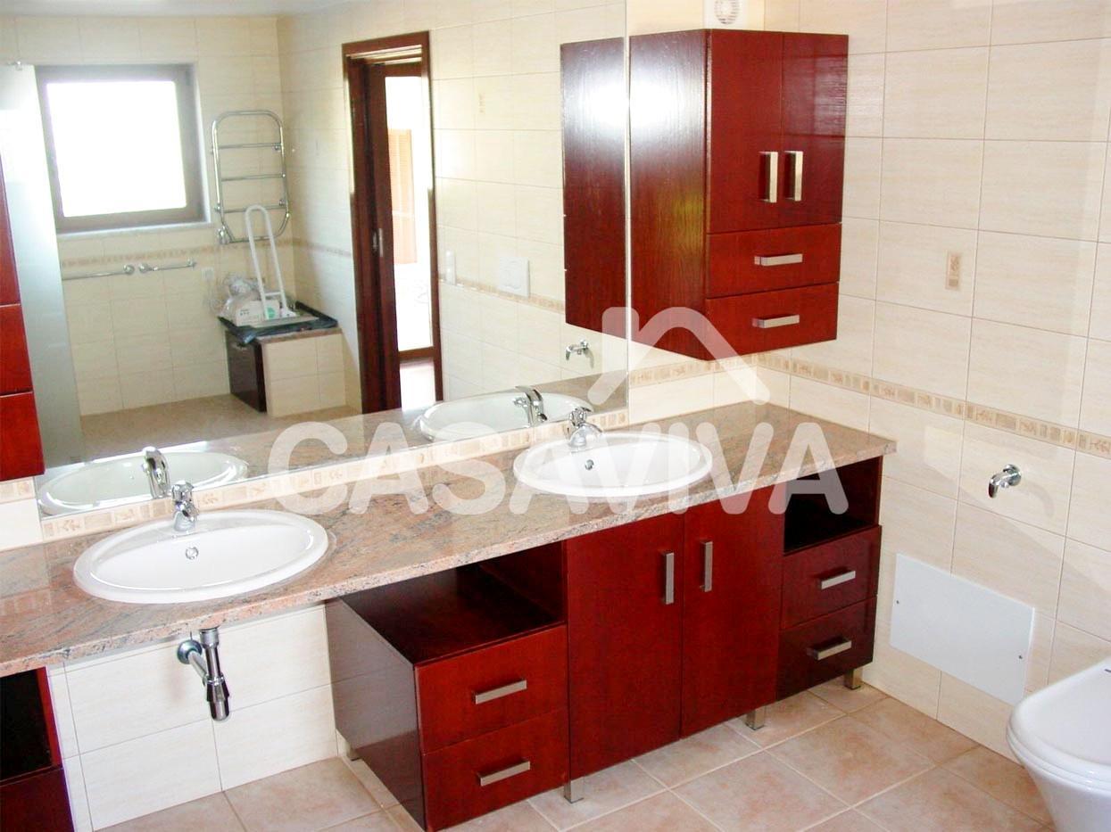 lavabos para cuartos de baomueble de bao en malmina bajo encimera de piedra y lavabos lavabos para cuartos de bao